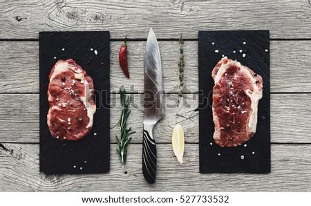 生 · サーロイン · 古い · まな板 · 塩 - ストックフォト © DenisMArt