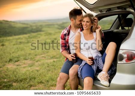 iki · kadın · oturma · araba · yaz · yolculuk · kadın - stok fotoğraf © boggy
