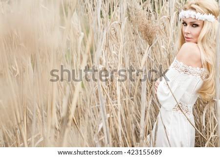 Gozo livre mulher sexy felicidade bela mulher Foto stock © Victoria_Andreas