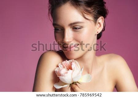 Bőrápolás szépség portré barna hajú lány rózsaszín Stock fotó © Victoria_Andreas