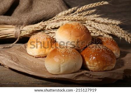 Finom kenyér tekercsek fonott kosár konyhaasztal Stock fotó © stevanovicigor
