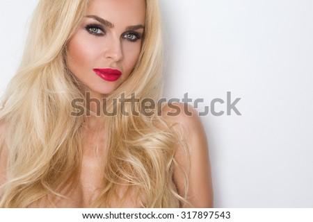 Elegáns egészséges hajviselet szexi hölgy szépség Stock fotó © Victoria_Andreas