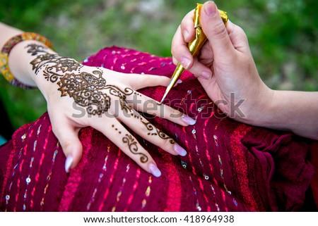 picture of human hand decorated with henna tattoo mehendi hand stockfoto © galitskaya