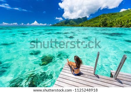 Lüks plaj tahiti bikini kadın yüzme Stok fotoğraf © Maridav