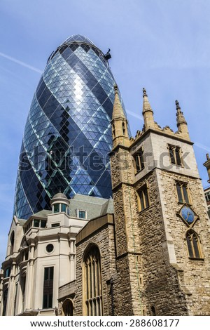 Gherkin Building E Chiesa Di St Andrew Undershaft A Londra Foto d'archivio © chrisdorney