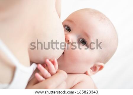 borstvoeding · pasgeboren · jongen · moeder · baby · minder - stockfoto © ia_64