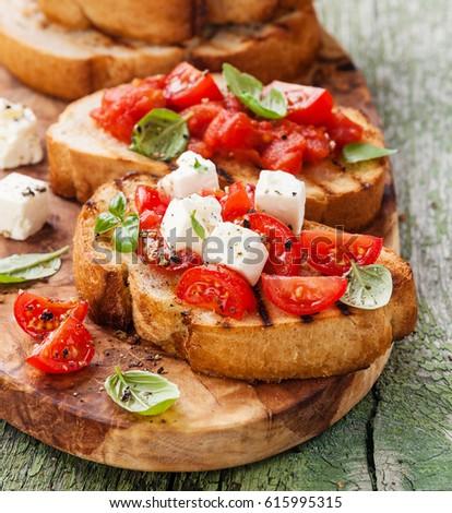 mozzarella · hortalizas · tomates · espinacas - foto stock © artjazz