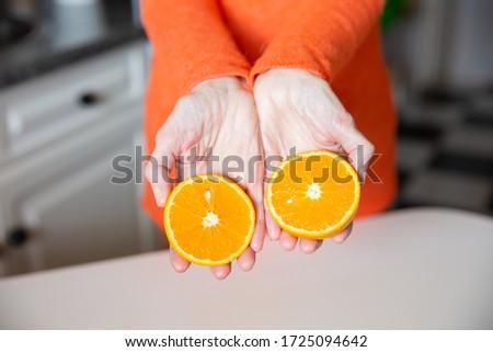 Stockfoto: Handen · houden · twee · stukken