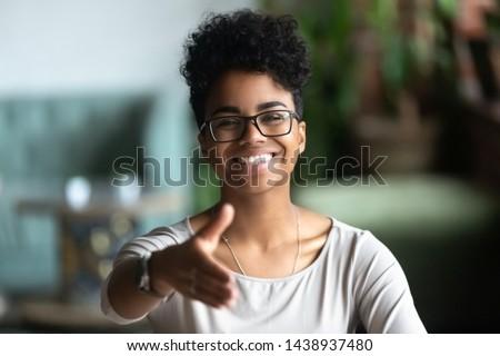 Gelukkig jonge afro-amerikaanse specialist bril Stockfoto © boggy