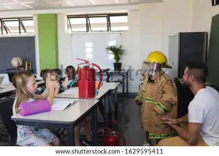 Yandan görünüş sınıf arkadaşı sınıf Stok fotoğraf © wavebreak_media