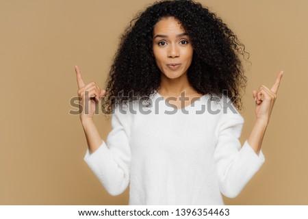 фото женщину афро прическа оба Сток-фото © vkstudio