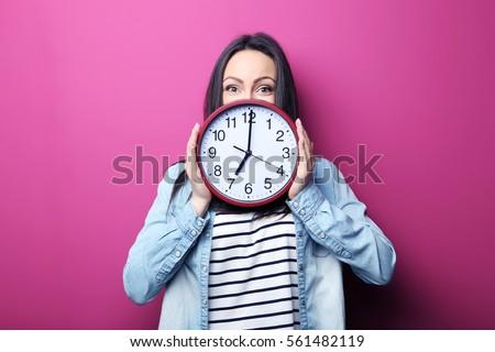 Közelkép portré gyönyörű felnőtt nő tart Stock fotó © HASLOO