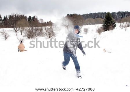 Kind sneeuwbal strijd witte winter sneeuw Stockfoto © meinzahn