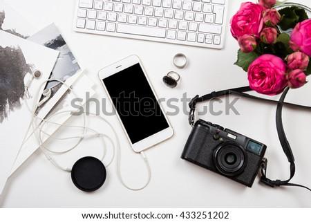 moderna · foto · cámara · blanco - foto stock © manera