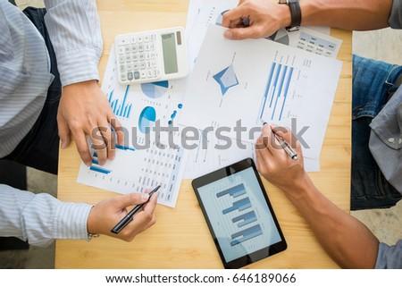 Kettő üzletember adó számla üzleti stratégia grafikon Stock fotó © Freedomz