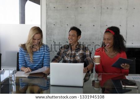 мнение счастливым молодые смеясь Сток-фото © wavebreak_media