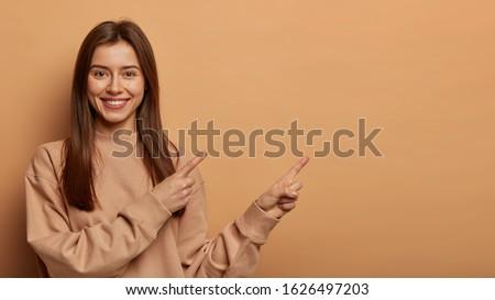 Atış iyi görünümlü genç kadın ağız Stok fotoğraf © vkstudio