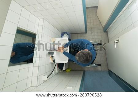 Vue patient séance fauteuil roulant hôpital Photo stock © wavebreak_media