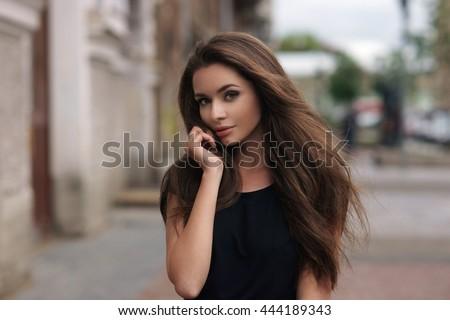 negru · scurt · modă · bruneta · fată - imagine de stoc © victoria_andreas