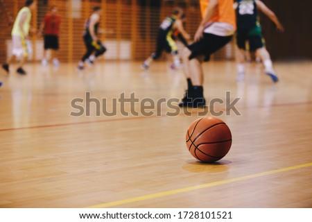 basketbal · opleiding · spel · houten · rechter · vloer - stockfoto © matimix