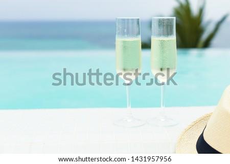 シャンパン · 眼鏡 · ボトル · 氷 · バケット · スイミングプール - ストックフォト © dashapetrenko