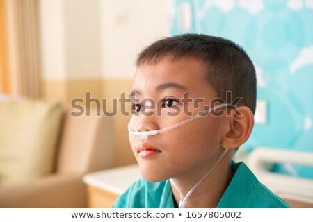 врач давать кислородная маска пациент больницу медицинской Сток-фото © wavebreak_media