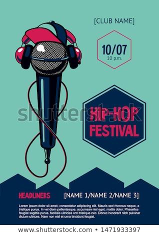 Rapper cantar grafite menina escuta música Foto stock © jarp17