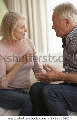 Para domu kobiet mężczyzn mówić zły Zdjęcia stock © HighwayStarz