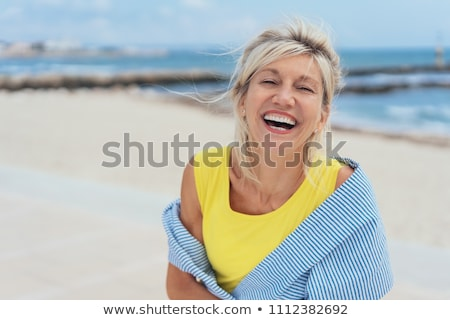 blond · vrouw · lachend · Rood · exemplaar · ruimte · gelukkig - stockfoto © aladin66