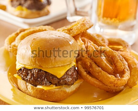 Burger · cam · bira · ahşap · masa · gıda · tablo - stok fotoğraf © aladin66