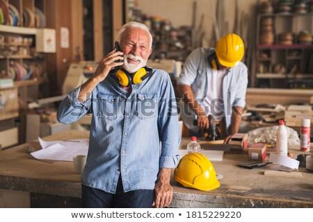 Artesão chamada colegas branco pessoa gritando Foto stock © photography33