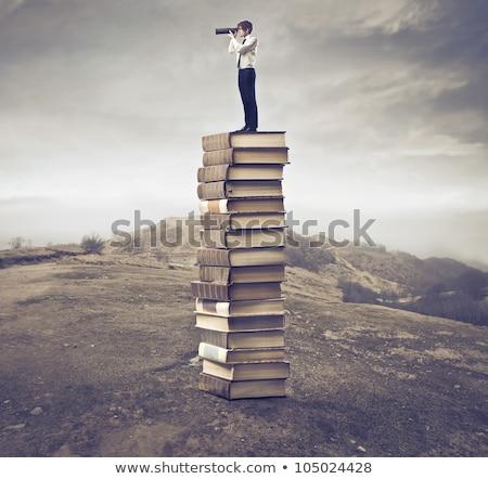 mosolyog · diák · tankönyvek · iskola · oktatás · tankönyv - stock fotó © get4net