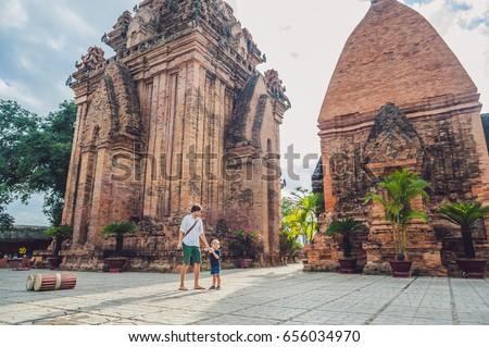 Apa kisgyerek fiú turisták Vietnam Ázsia Stock fotó © galitskaya