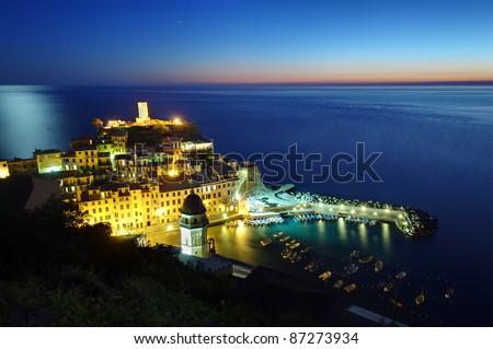 Dorf beleuchtet Nacht Italien Ansicht beliebt Stock foto © dmitry_rukhlenko