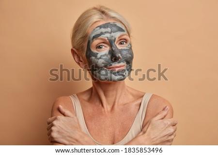 Vrouwelijke model gezonde huid zacht Stockfoto © vkstudio
