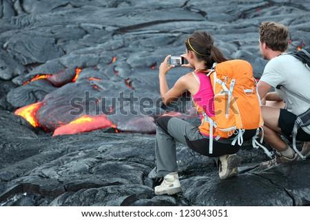 Femme randonnée volcanique roches volcan grand Photo stock © Maridav