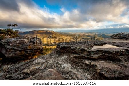 Luz tiempo azul montanas paisaje colinas Foto stock © lovleah