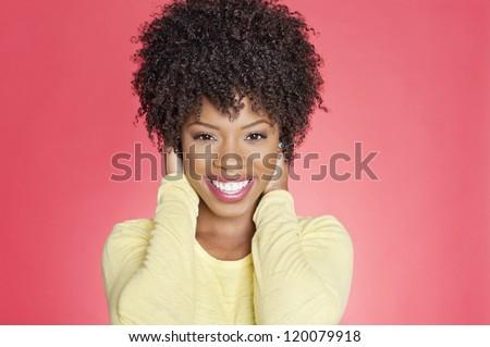 Elöl kilátás afroamerikai gyönyörű nő néz űrlap Stock fotó © wavebreak_media