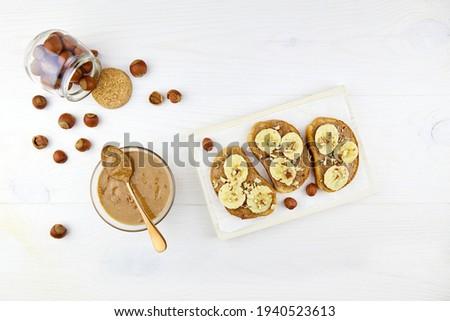 Geroosterd granen brood witte plaat Stockfoto © marylooo