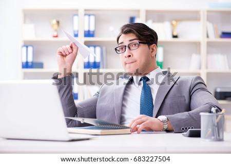 мужчины · бизнесмен · рабочих · портативного · компьютера · белый · ноутбука - Сток-фото © studiostoks