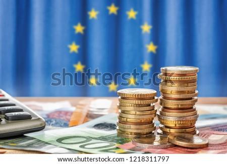 Bankbiljetten munten vlag europese unie financieren Stockfoto © Zerbor