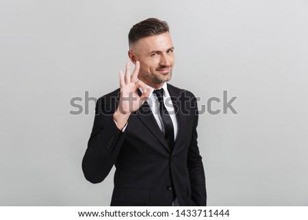férfi · mutat · béke · felirat · közelkép · portré - stock fotó © deandrobot