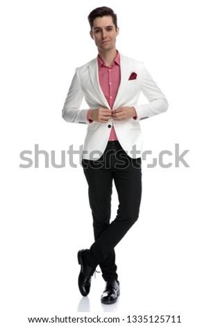 Mosolyog üzletember áll lábak keresztbe befejezés fiatal Stock fotó © feedough