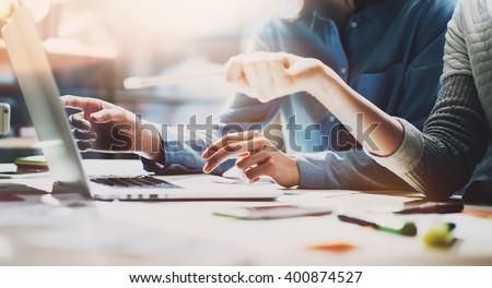 üzleti · csapat · megbeszélés · dolgozik · új · startup · projekt - stock fotó © Freedomz