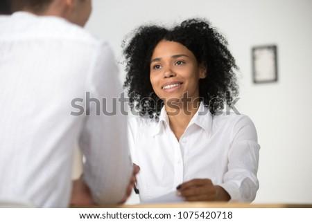 Entrevista Trabajo atractivo candidato traje respuestas Foto stock © snowing