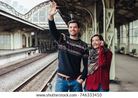 Pár vágány vasútállomás hullám valaki néz Stock fotó © vkstudio