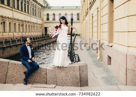 Przystojny most piękna oblubienicy Zdjęcia stock © vkstudio
