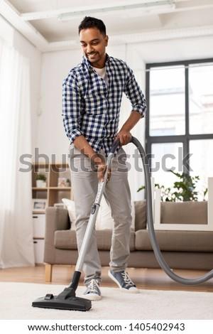 インド 男 真空掃除機 ホーム 家庭 洗浄 ストックフォト © dolgachov