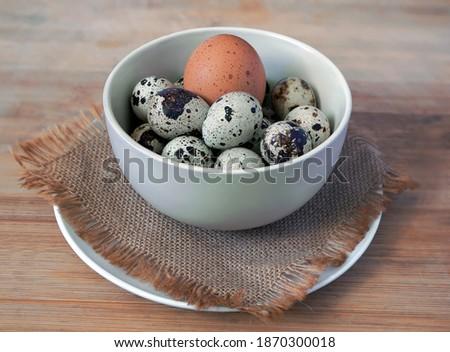 Stockfoto: Keramische · witte · kom · eieren · bruin · houten · tafel