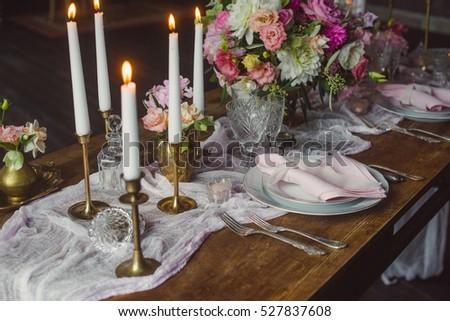 Pembe beyaz çiçekler mumlar tablo düğün dekorasyon Stok fotoğraf © ruslanshramko
